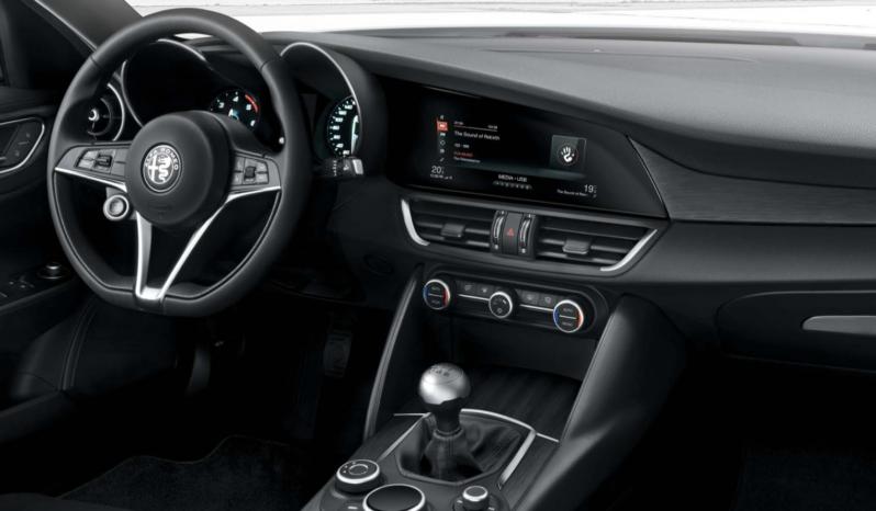 Oferta Renting Alfa Romeo Giulia 2.2 Diesel de 180CV Super AT completo